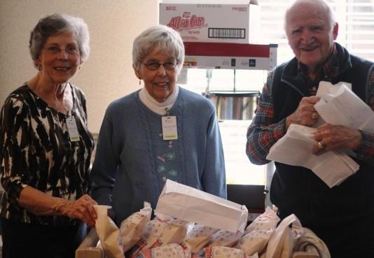 Volunteer at Episcopal Homes